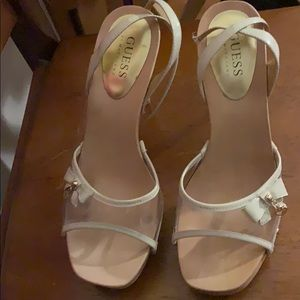 Women's size 8 Guess shoes
